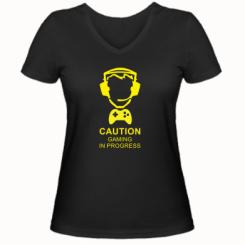 Жіноча футболка з V-подібним вирізом Caution! Gaming in progress